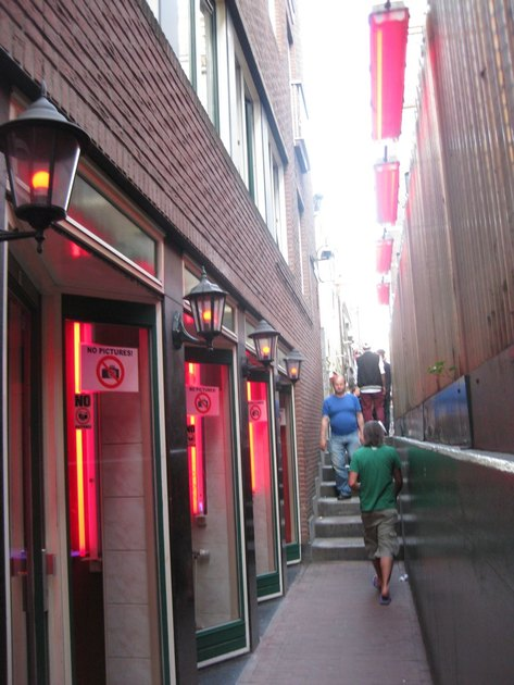 Rooms in the Red District