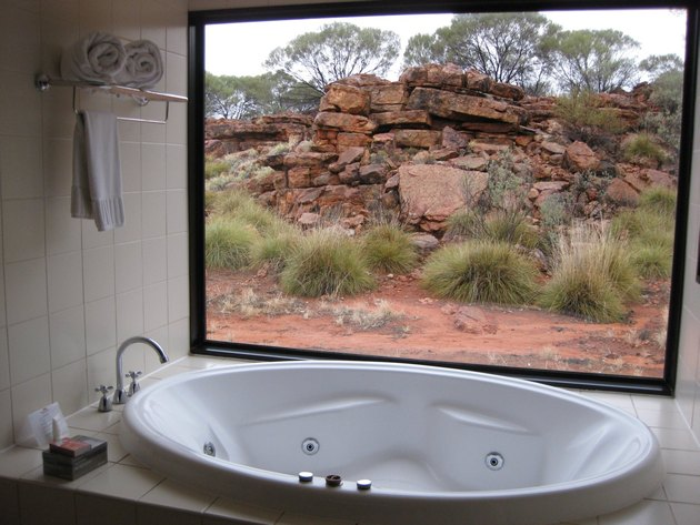 Kings Canyon Resort Deluxe Spa